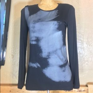 NWT TAHARI Long Sleeve Navy with a pattern Top
